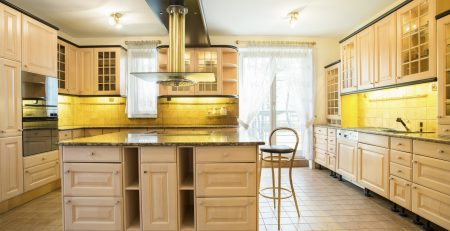 traditional kitchen design with stone worktop